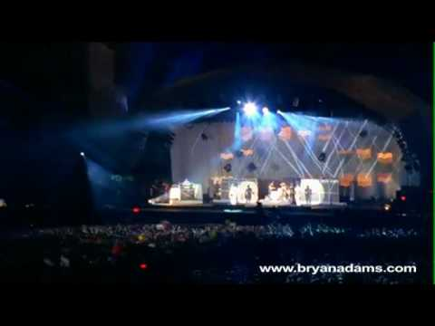 Bryan Adams - Don't Give Up - Live at Slane Castle, Ireland