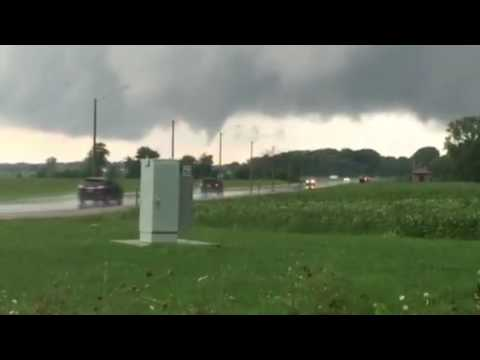 Tornado rolls by southern Ontario