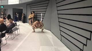 大相撲安芸場所で、撮影した、碧山の摺り足稽古です。迫力満点!