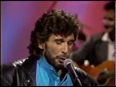 Eddie Rabbitt - Driving My Life Away - STEREO - Nashville Now