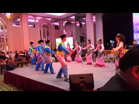 Zapin Ya Salam by Mammamia Dancer