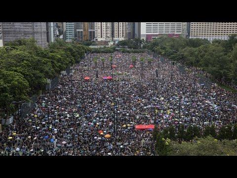 حاكمة هونغ كونغ تعترف بالطابع -السلمي إلى حد كبير- لمظاهرات الأحد الحاشدة  - نشر قبل 3 ساعة
