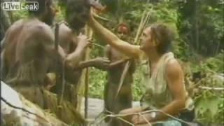 Папуасы Новой Гвинеи впервые видят белого человека