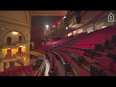 Harlem's Apollo Theater🍿 | Curbed Tours
