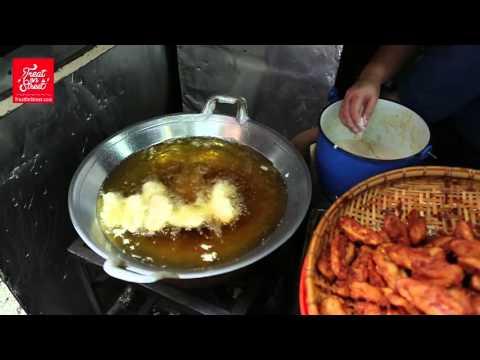 Bangkok Street Food | Delicious Fried Banana Thai Sweet Dish - Wang Lang Street | Thai Food