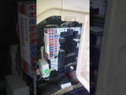Volvo V70 Fuel Gauge And Rear Wiper Problem Fix