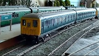 Hornby 2-BIL units in multiple operation.