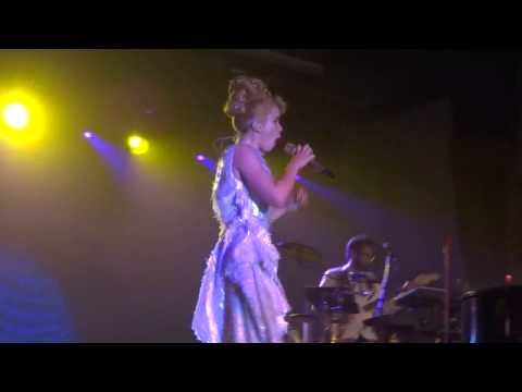 The Amazing Paloma Faith - Love Only Leaves You Lonely - Bath Pavilion - 16th August 2013 mp3