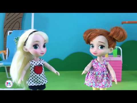 Barbie Elsa Anna Dolls Videos! Giant Lollipop Gummy Worms! B