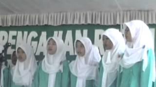 di balik jilbab putih