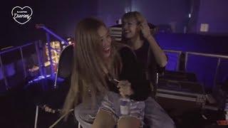 Lisa And Rose Dancing Backstage On Jisoo's Solo
