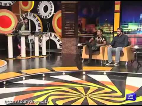 Aqib Javed talking about Shahid Afridi's popularity and a very funny incident