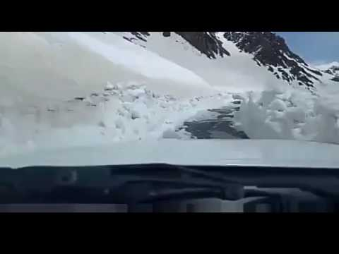 A Car Drive in Snowy Roads; Amazing Experience