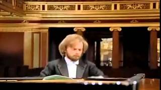 Zimerman performs Beethoven Piano Concerto #1, Movement 1, Allegro con Brio