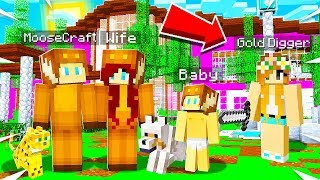 I Started My Own FAMILY on the GIRLS ONLY Server.. SHE Got JEALOUS.. (Minecraft)