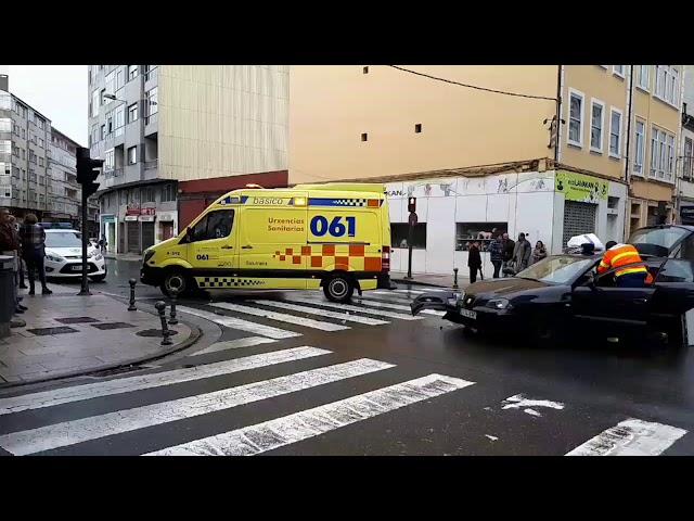 Tres heridos en un accidente con dos vehículos implicados en Lugo