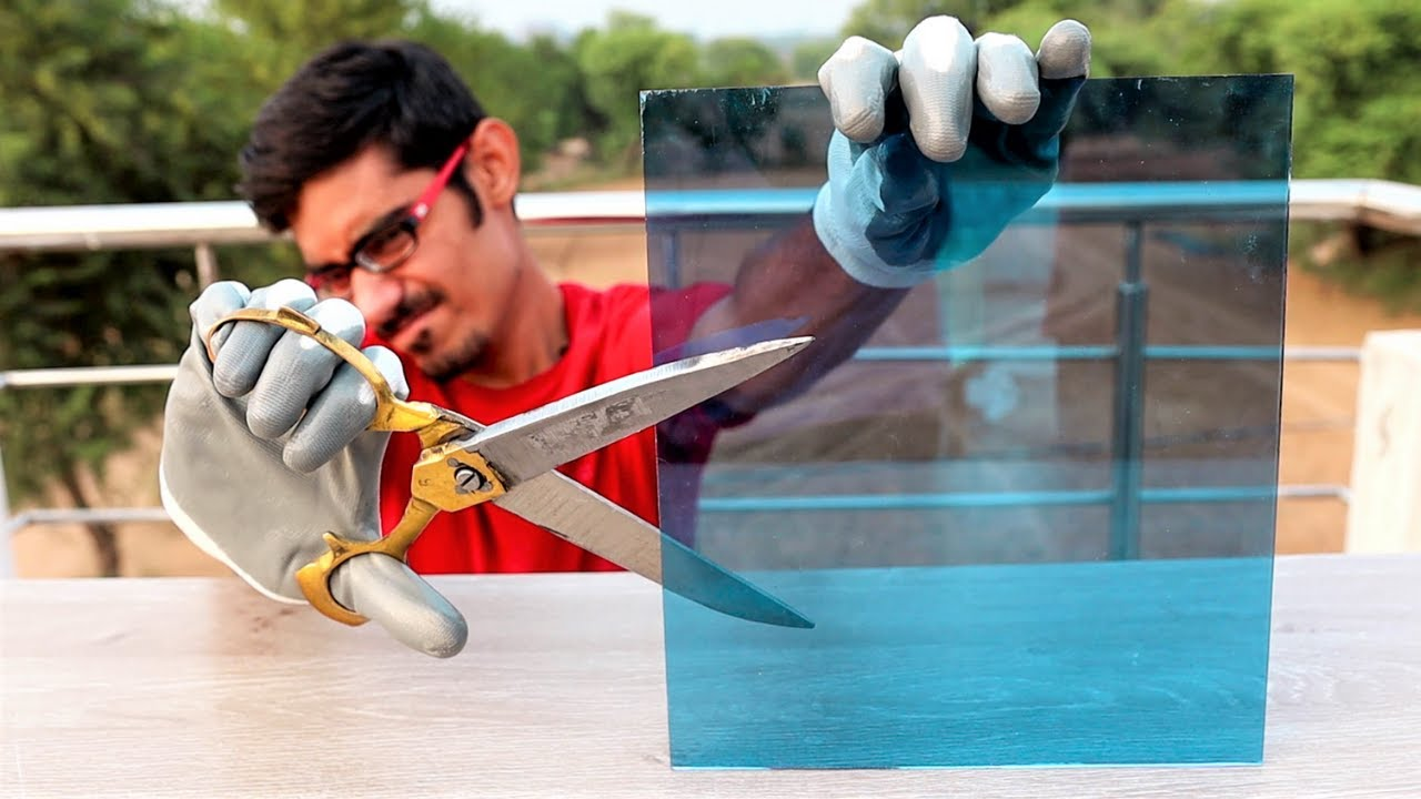 We Cut Glass Using a Scissors | कैंची से हमने काटा कांच | Unbelievable But 100% Working