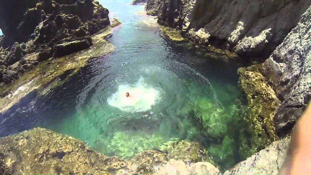 Na Mokulua Hawaii: Na Mokulua Cliff Jumping
