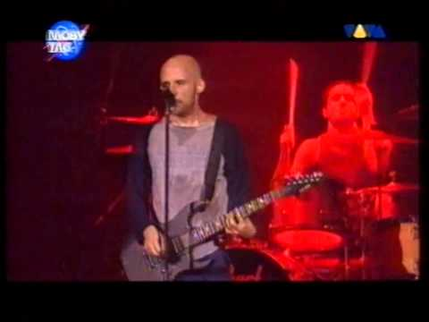 Moby - James Bond Theme (LIVE in Cologne, Germany 2000)