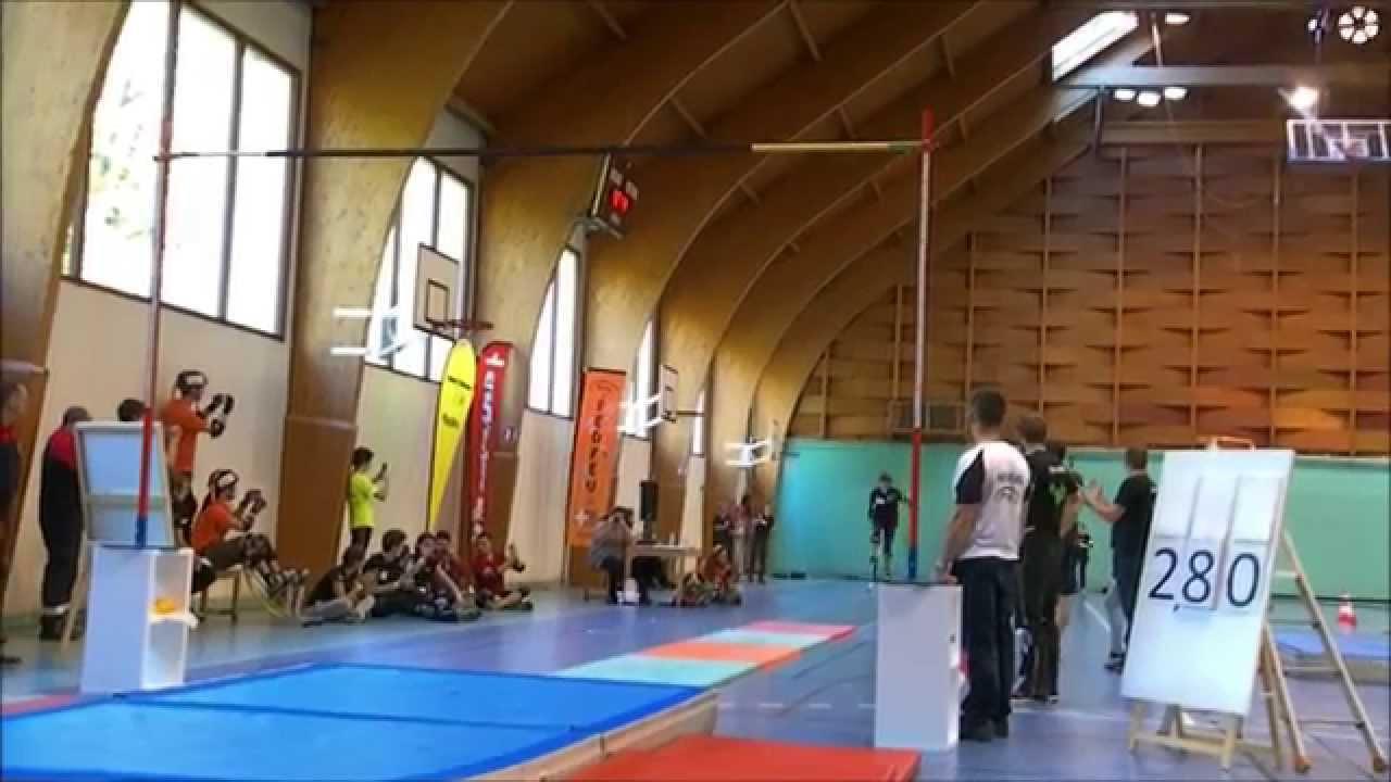 Record du monde saut en hauteur échasses urbaines- World