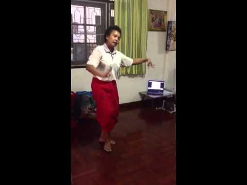 สอนรำไทย โดยครูปุ๋ย 088-6121518 (รำอวยพร งานเกษียณ...ภาพใกล้)