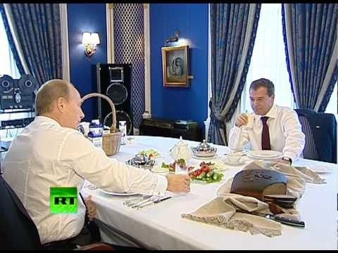 Putin's tea party for President: Promoting Russian goodies