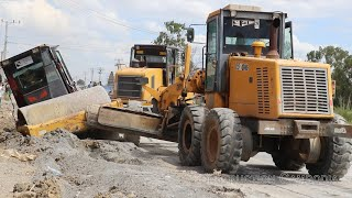 Heavy Equipment - Road roller stuck in deep mud & Recovery - រ៉ូឡូជាប់ផុងជ្រៅ និងទាញចេញ