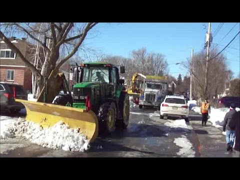 NICE SNOW REMOVAL OPERATION IN LACHINE MONTREAL QUEBEC