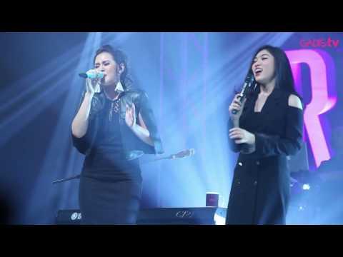 Raisa & Isyana Sarasvati - Anganku Anganmu (Live at Raisa & Isyana Showcase)