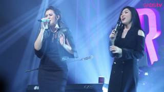 Raisa & Isyana Sarasvati - Anganku Anganmu (Live at Raisa & Isyana Showcase)