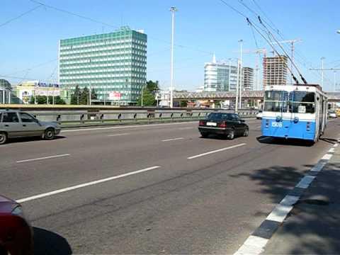 Leningradsky prospect from trolleybus window.