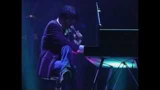 1988年9月12日に東京ドームで行われた尾崎豊のライブ完全版!! 「LIVE CO...