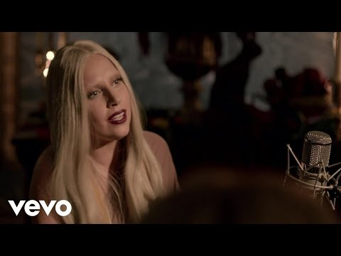 Lady Gaga - Yoü And I (Live from A Very Gaga Thanksgiving)