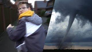Wir müssen fliehen... (tornado neben unserem haus)