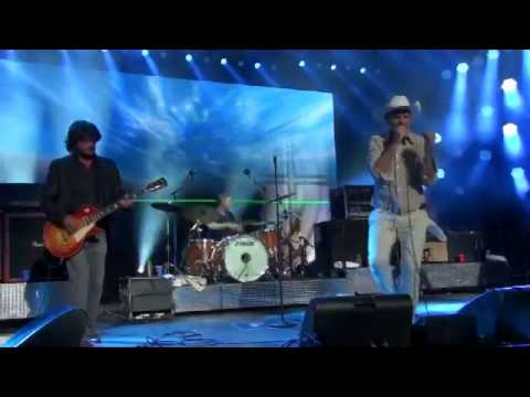 The Tragically Hip 10-08-2014 Yonge Street Dundas Square Toronto Full Show Front row