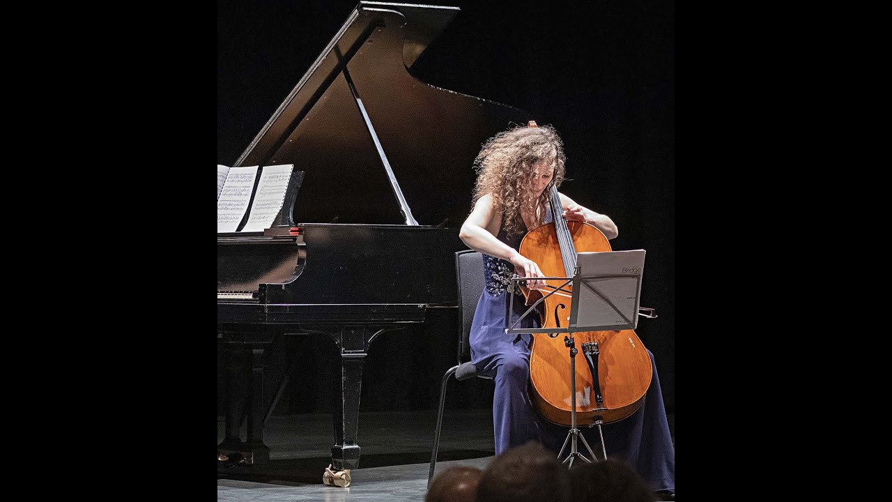 ONLINE cello lesson with Joanna G - WATCH NOW (fragment)