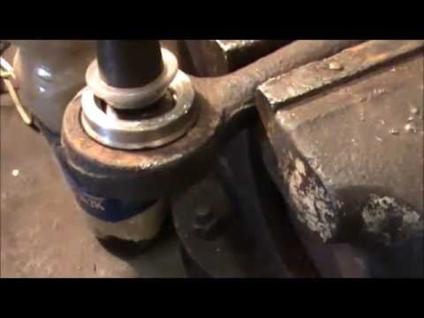 Как заменить шарнир наконечника рулевой тяги Соболь