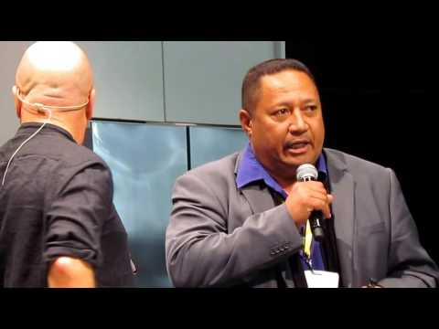 Niue Vanilla's Stanley Kalauni with Robert Oliver, Auckland Food Show