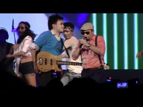 Tompi & Barry Likumahuwa - Move Like Jagger @ Urban Jazz Crossover 2012 in Bandung [HD]