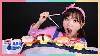 凱利的旋轉壽司食玩玩具遊戲 | 凱利和玩具朋友們  | 凱利TV