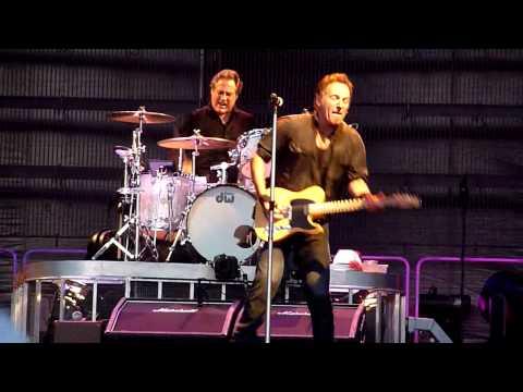 Bruce Springsteen - Kingdom Of Days - Dublin 2009-07-11 CLOSEUP