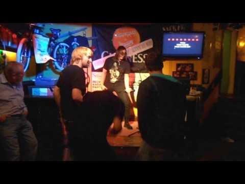Me singing Karaoke: Rammstein - Du Hast (Englisch/Deutsch)