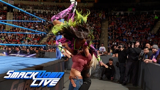 Historic dual Elimination Chamber contract signing turns volatile: SmackDown LIVE, Feb. 7, 2017