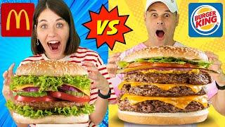 Mc.DONALD'S VS BURGER KING CHALLENGE 🍔 ¿Quién es Mejor?   Yippee Family