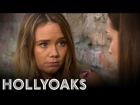 Hollyoaks: Kim Gives Sienna A Helping Hand