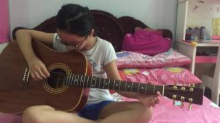 Đan Guitar bai Giấc Mơ Tuyệt Vời ( minh moi học nen danh không thanh thuoc cho lam nha)