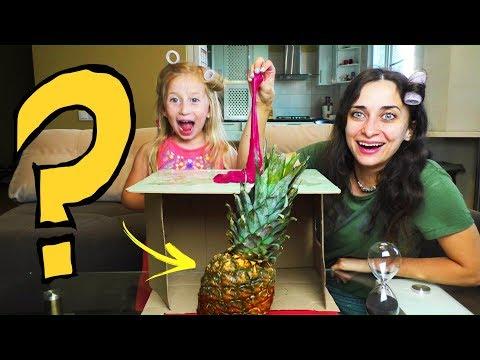 STA JE U KUTIJI? 💡 Sonja VS Mama - What's In The Box Challenge / Video za decu