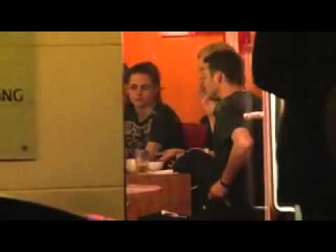 Rupert Sanders Caught With His Hands Down His Pants While At Dinner With Kristen Stewart