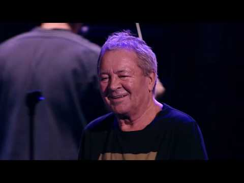 "Ian Gillan ""Hang Me Out To Dry"" - Live in Moscow - Album ""Contractual Obligation"" out now!"