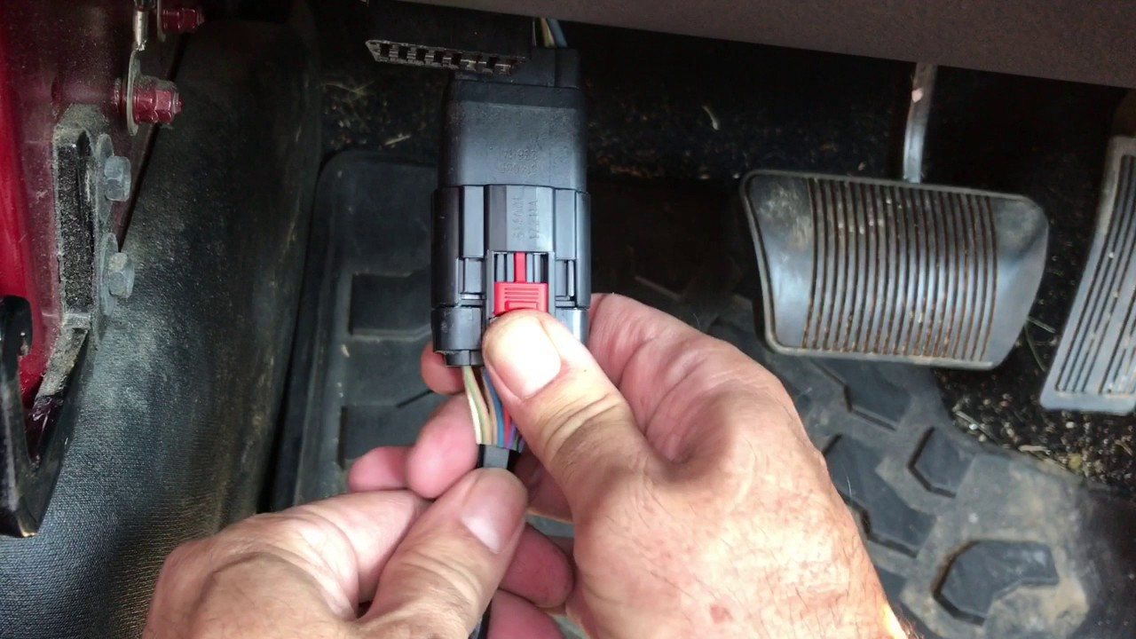 Disconnecting Jeep Door Harness
